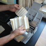 Automatic accordeon folding